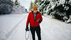 What to Wear While Hiking in Cold Weather